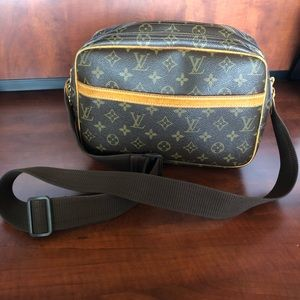 Authentic Louis Vuitton Reporter PM crossbody